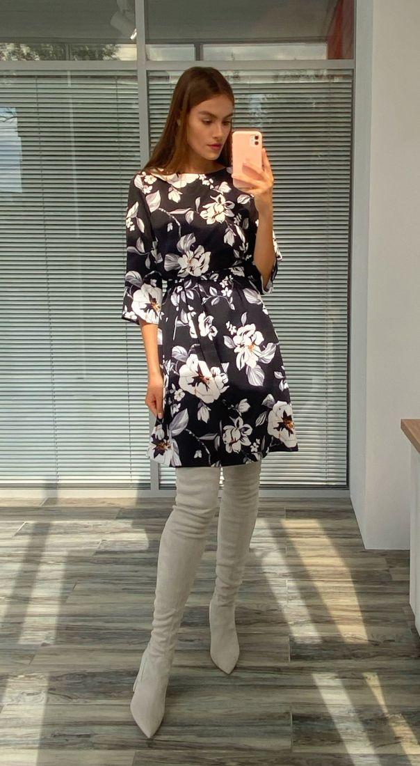 s2276 Платье-трапеция чёрное с цветочным принтом