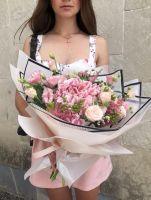 Гортензия, пионовидная роза и эустома