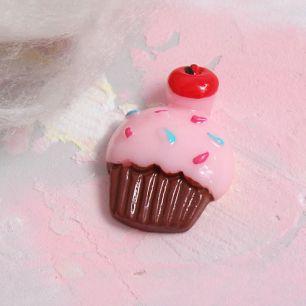 Кукольная миниатюра - Кабошон кексик розовый, 2 см