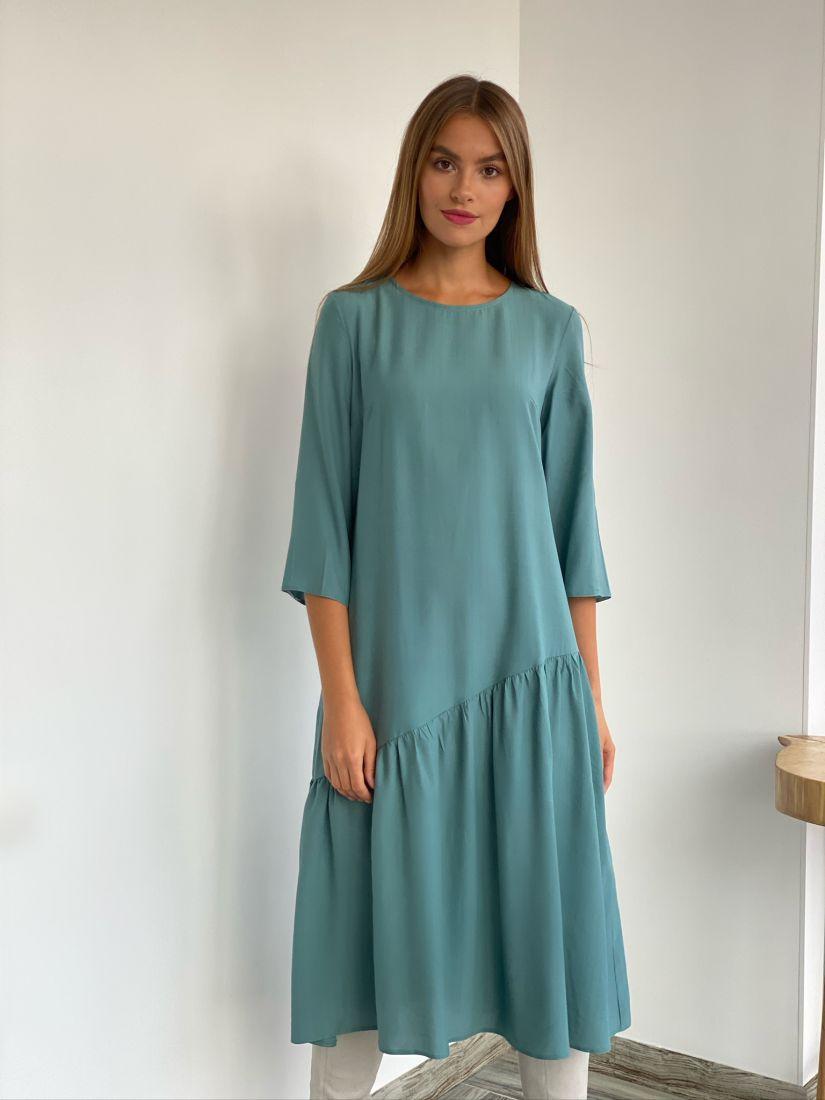 s2361 Платье с асимметричным воланом