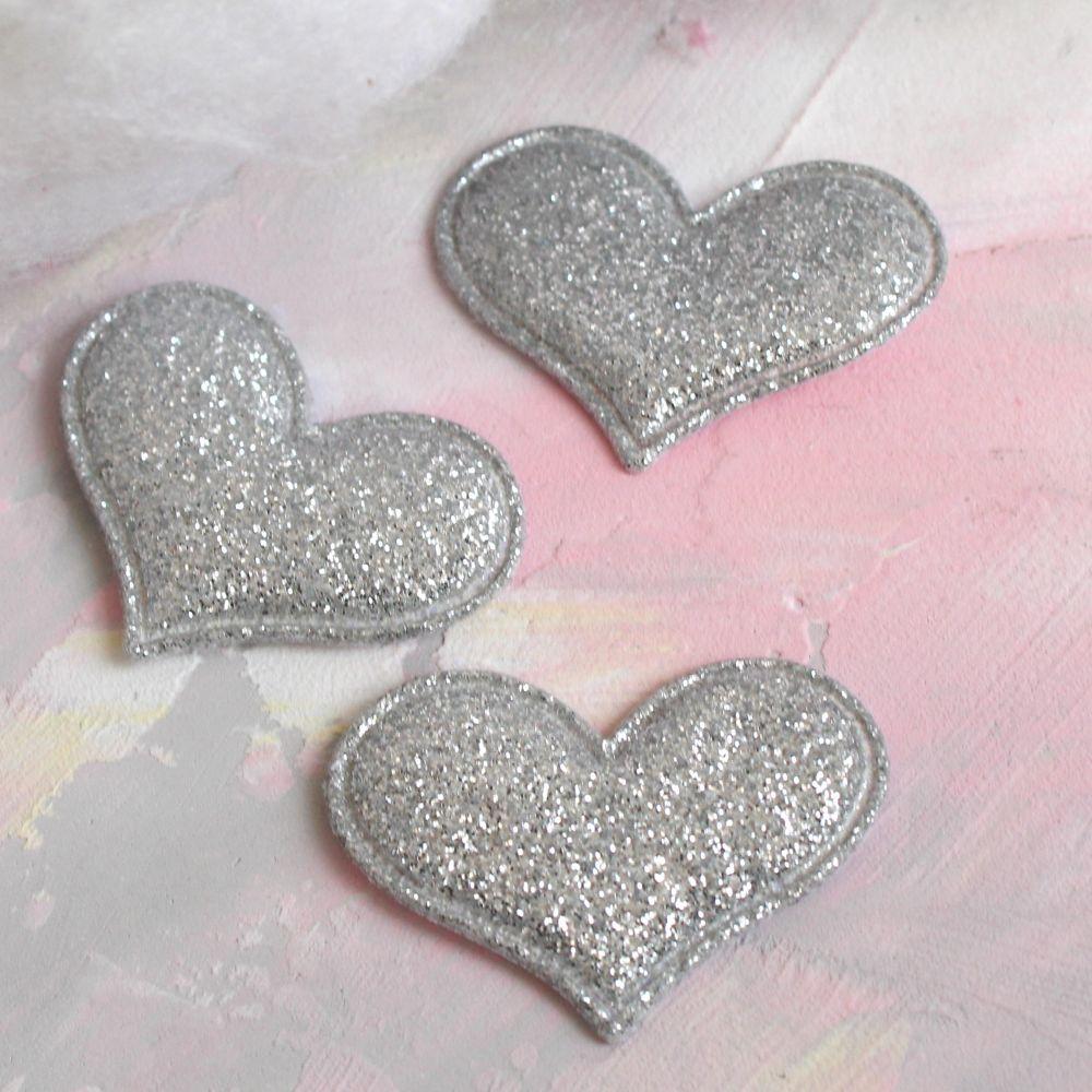 Кукольный аксессуар Сердечки серебристые с блестками 5 шт