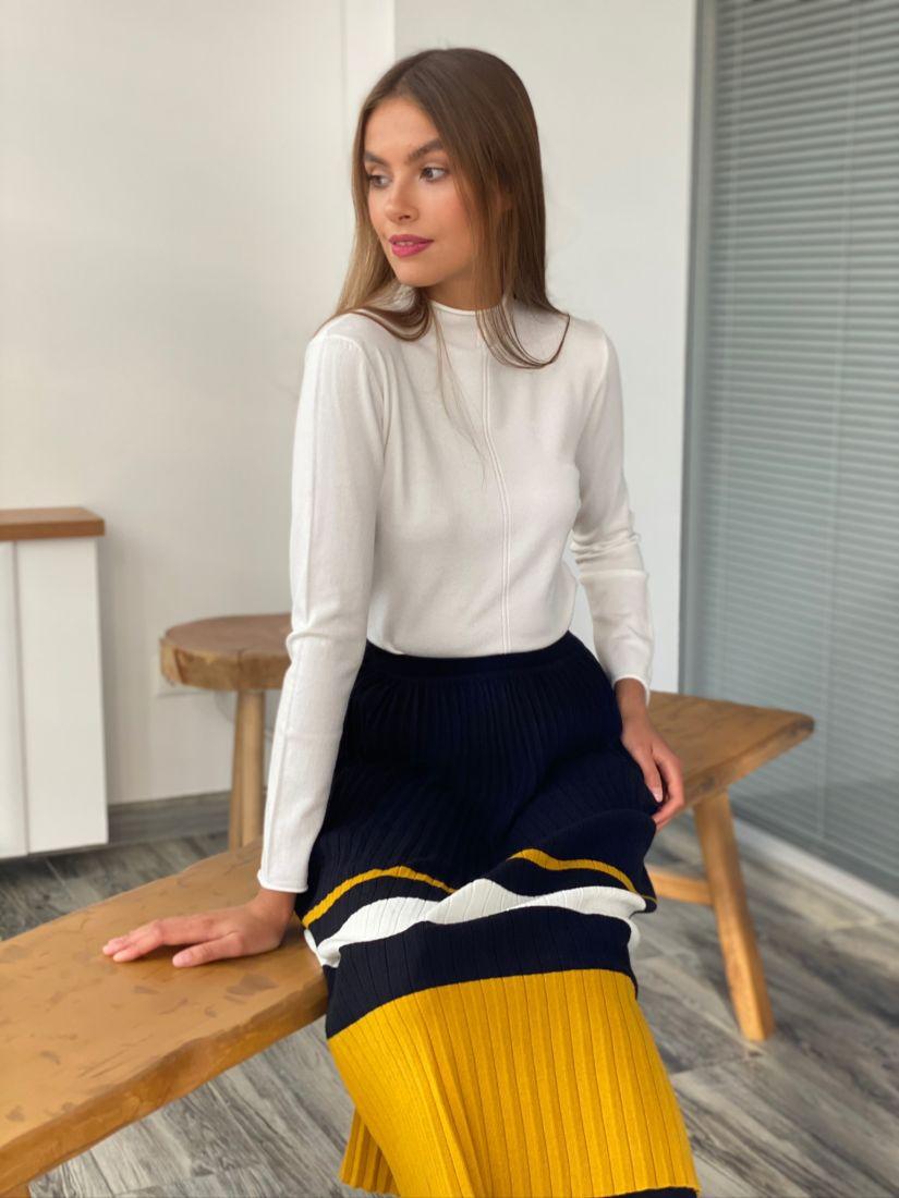 s2406 Тонкий свитер с примитивным ажуром белый