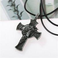 Нательный крест с ликом Иисуса