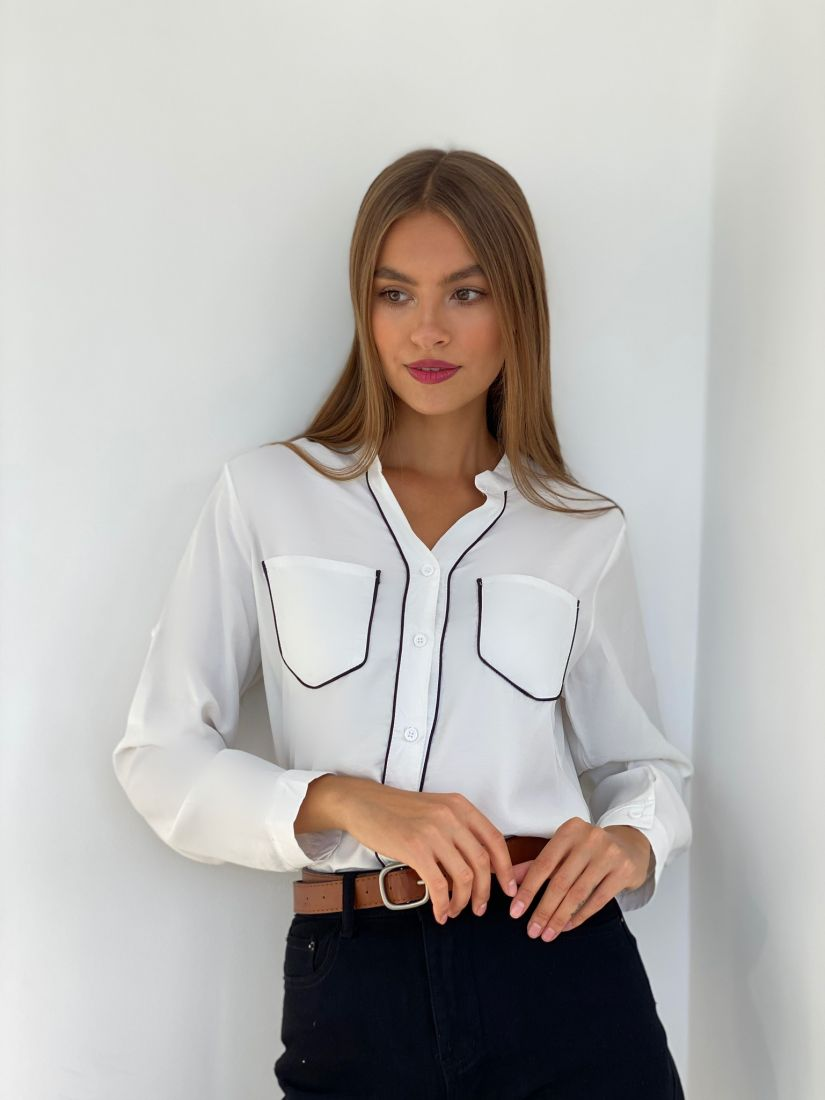 s2526 Рубашка с контрастной отделкой белая