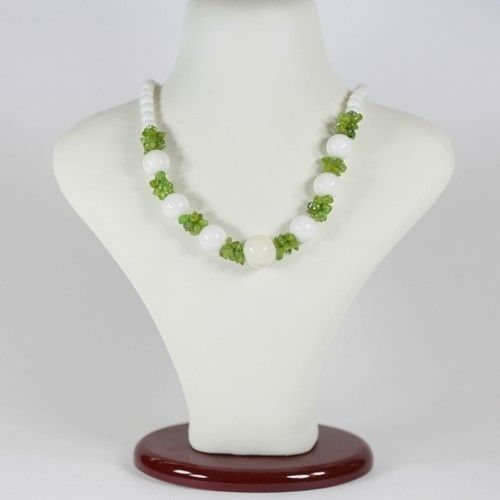Ожерелье - Эдит - из хризолита и агата белого