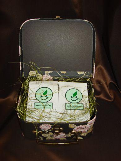 Саквояж дамский малый - подарочный набор с чаем и кофе