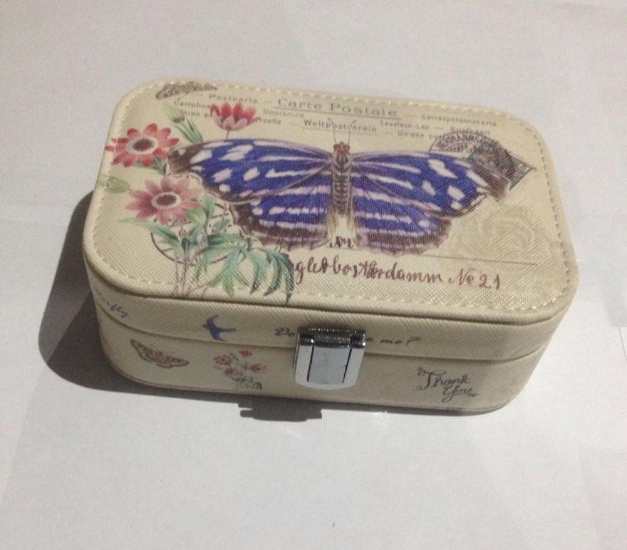 Шкатулка для ювелирных изделий Бабочка с цветами, 15х10х5 см