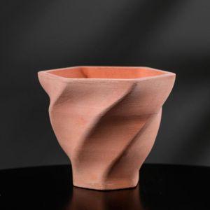 Кашпо винтовое розовое из бетона «Феерия», 10,5 х 9 см