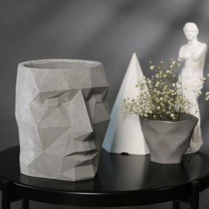 Кашпо серое полигональное из бетона «Голова», 16 х 20 см