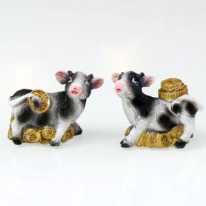 "Сувенир полистоун ""Корова пятнистая с золотыми монетами"" МИКС 3х1,5х4 см   4818917"