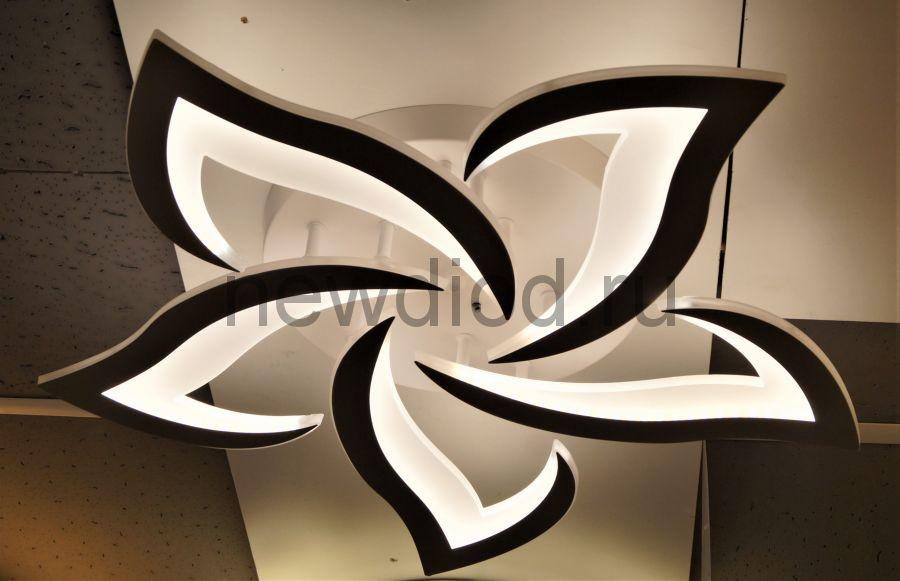 Управляемый светодиодный светильник LOTOS 8051 5 леп. 120Вт-30м² 6/3/4000K пульт 600мм белый Oreol