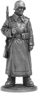 Рядовой пехоты Вермахта (Германия) в караульных ботах. 1942-43 гг.