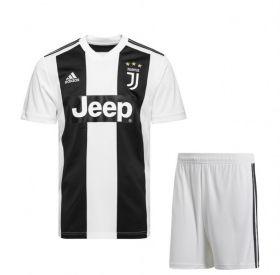 Домашняя форма Ювентуса  (Juventus) сезон 2018-2019
