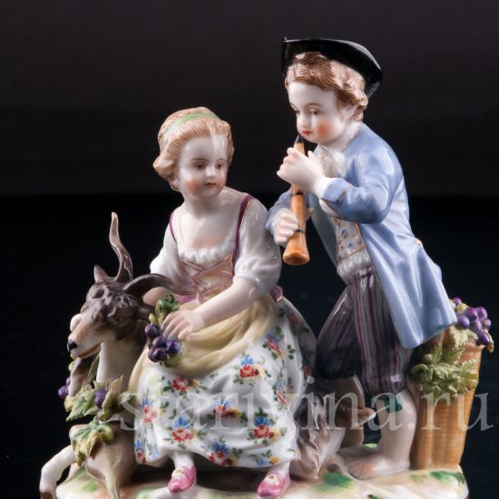 Изображение Пара с козликом, аллегория Осени, Дрезден, Германия, кон. 19 в.