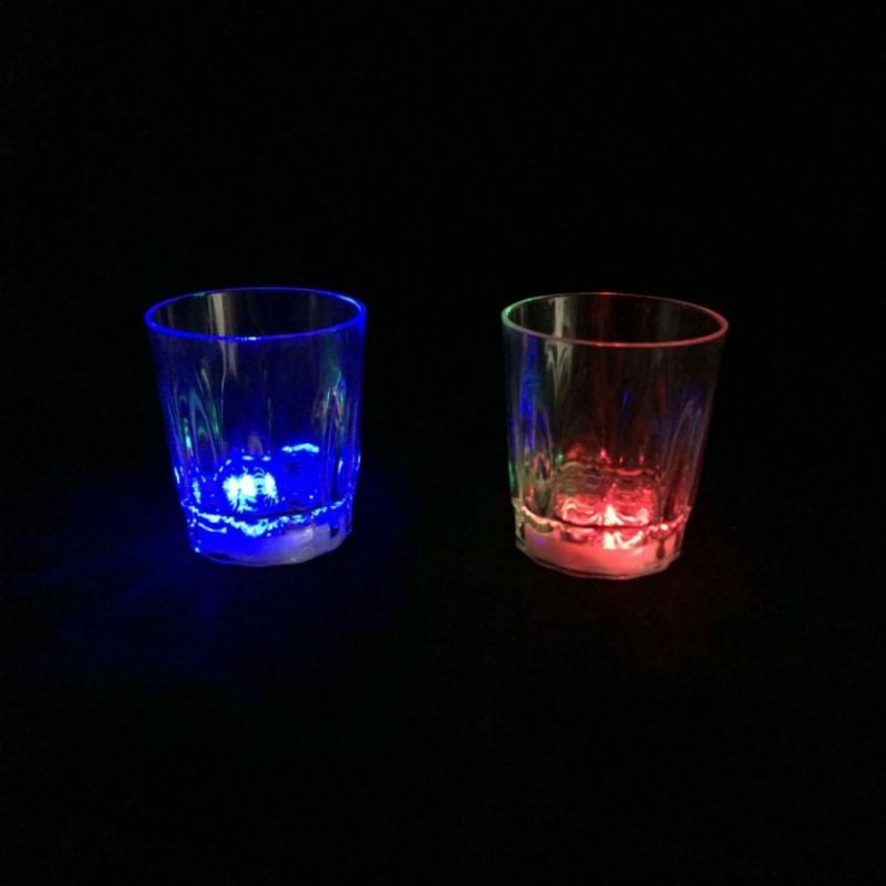 Светящаяся рюмка Light-up Liquid Activated Glass, 70 мл