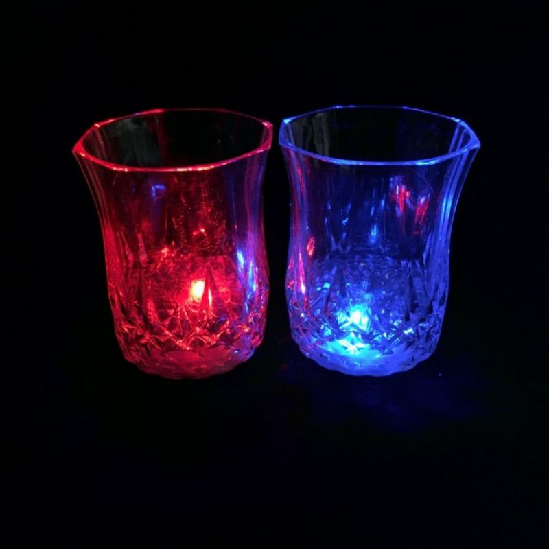 Мерцающая рюмка Light-up Liquid Activated Glass, 70 мл
