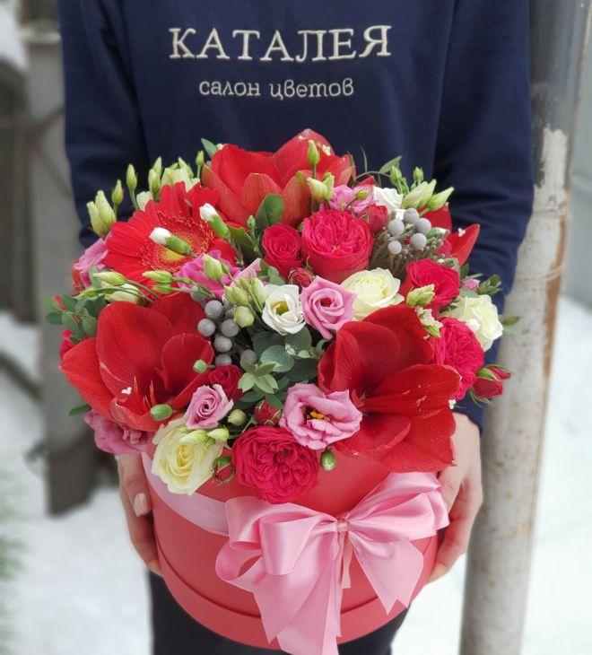 Коробочка из экзотических цветов