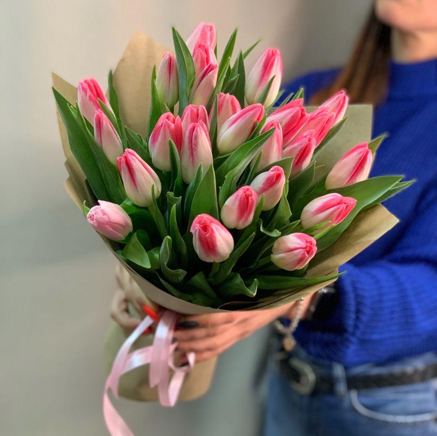 Букет из 25 тюльпанов №100
