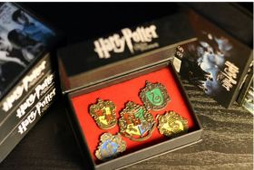 Значки Гарри Поттер в подарочной упаковке