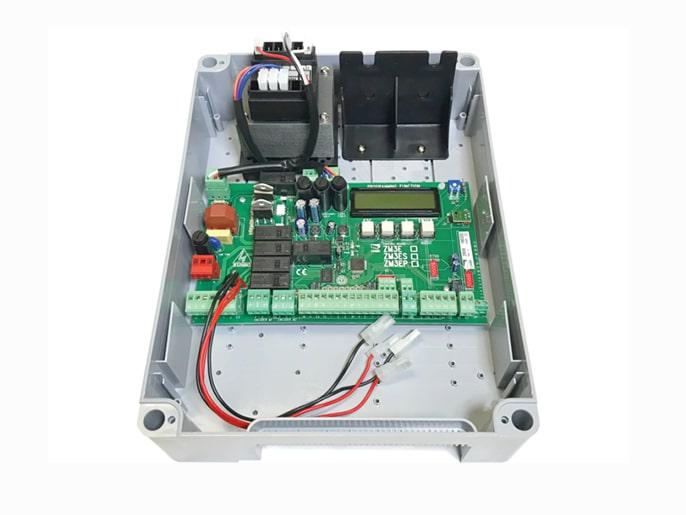 Блок управления многофункциональный для приводов 230 В ZM3E (002ZM3E)