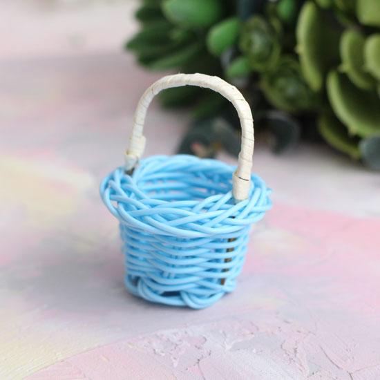 Аксессуар для куклы, корзинка голубая плетеная 6,5 см