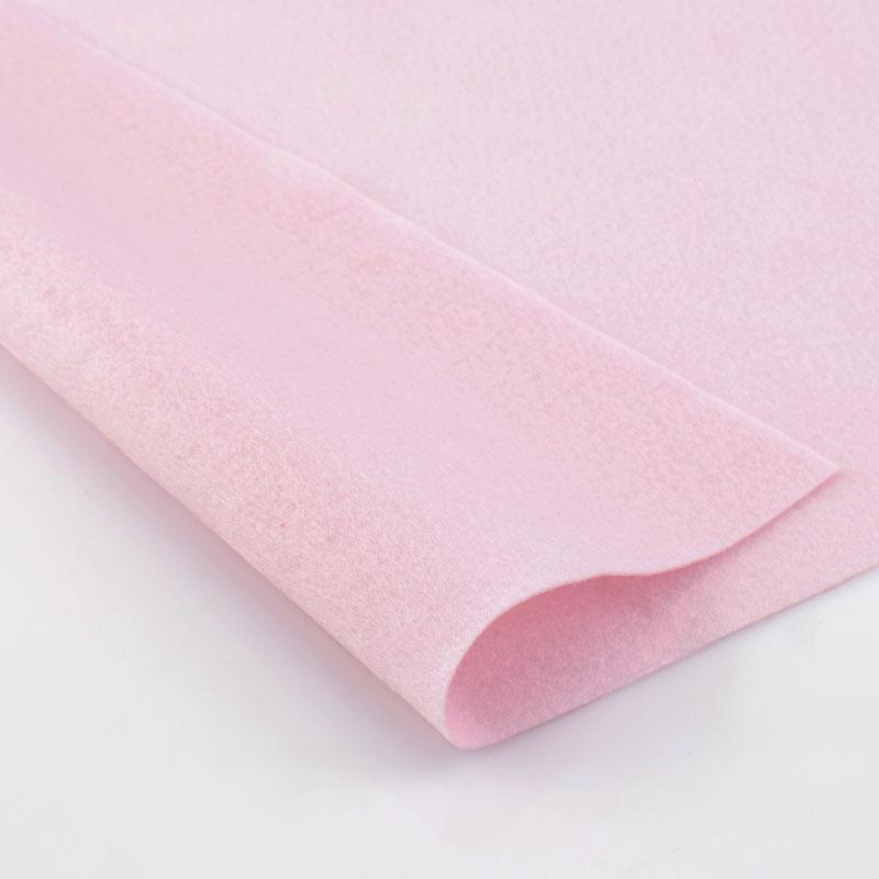 Фетр HEMLINE 1 мм лист 30 х 45 см, мягкий (11.041)