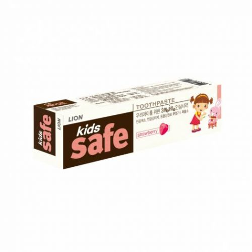 611486 LION Зубная паста детская Kids safe toothpaste strawberry 90g