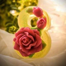 Силиконовая форма для мыла Восьмерка с розами