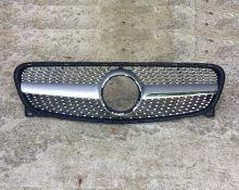 Решетка радиатора Mercedes GLA X156 13-17 Diamond-Look