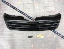 Решетка радиатора VW Passat B7 без значка черная