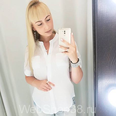 Белая хлопковая рубашка с длинным рукавом