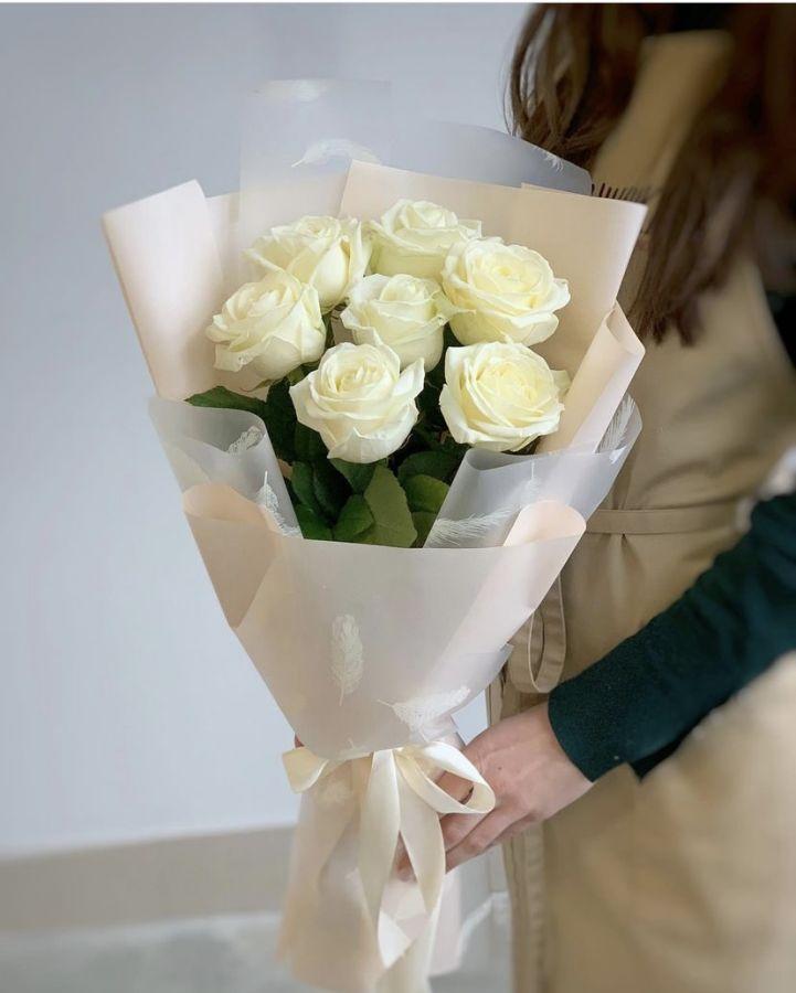 Букет комплимент из Белых роз