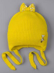 РБ 25183 Шапка вязаная для девочки на завязках, на отвороте серебряная кошечка, сверху бант, желто-зеленый