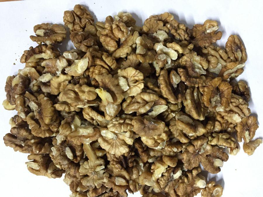 Грецкий орех бабочка Таджикистан