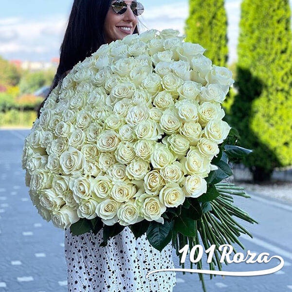 101 белая роза 80см