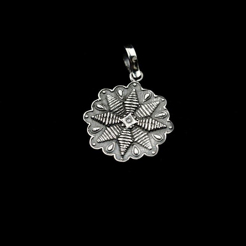 СЕРЕБРО Подвеска-оберег мал Цветок папоротника