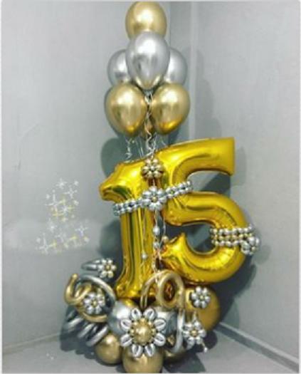 Композиция фигура из воздушных шаров на 15 лет