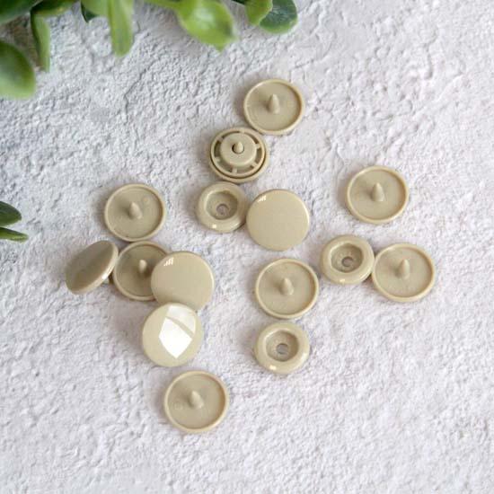 Кнопки пластиковые - Бежевые, 12 мм