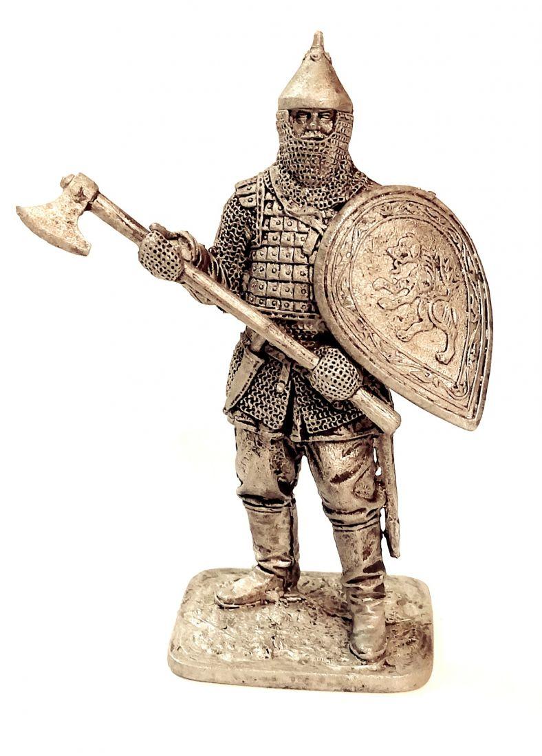 Фигурка Русский воин с топором 14в. олово