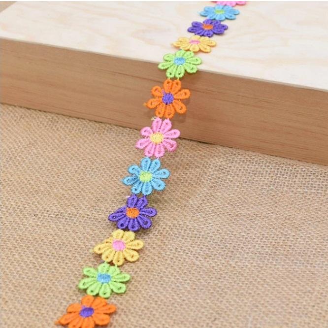 фото Кружево гипюр  Разноцветные ромашки ширина 25 мм. TBY.12243