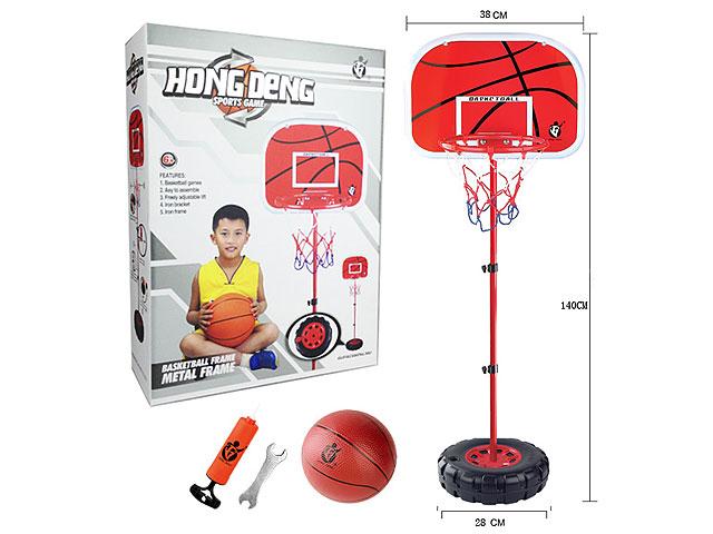 Баскетбольное кольцо на стойке с сеткой и мячиком