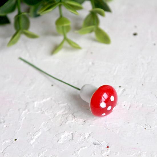 Аксессуар для кукол - Красный гриб мухоморчик, 1,6 см.
