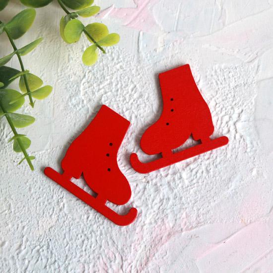 Деревянное украшение - Коньки красные 5*4,5 см.