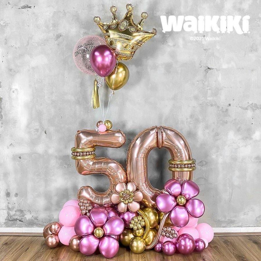 Композиция из шаров розовое золото и хром, 2 цифры, корона