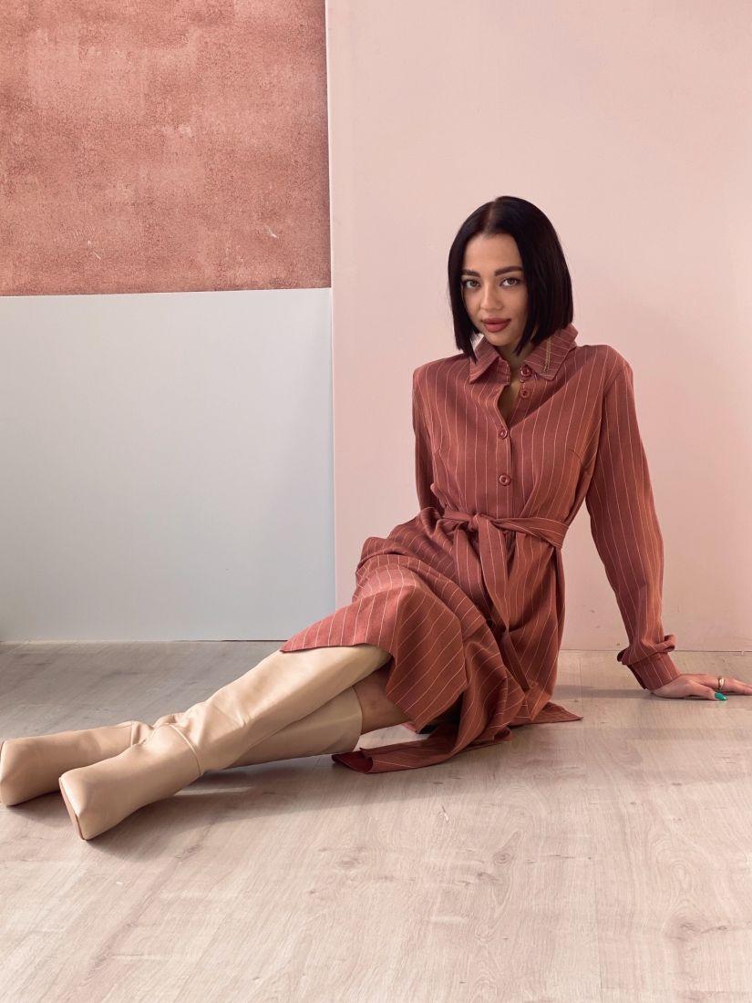2121 Платье-рубашка из мягкого хлопка в полоску в цвете розовый кедр