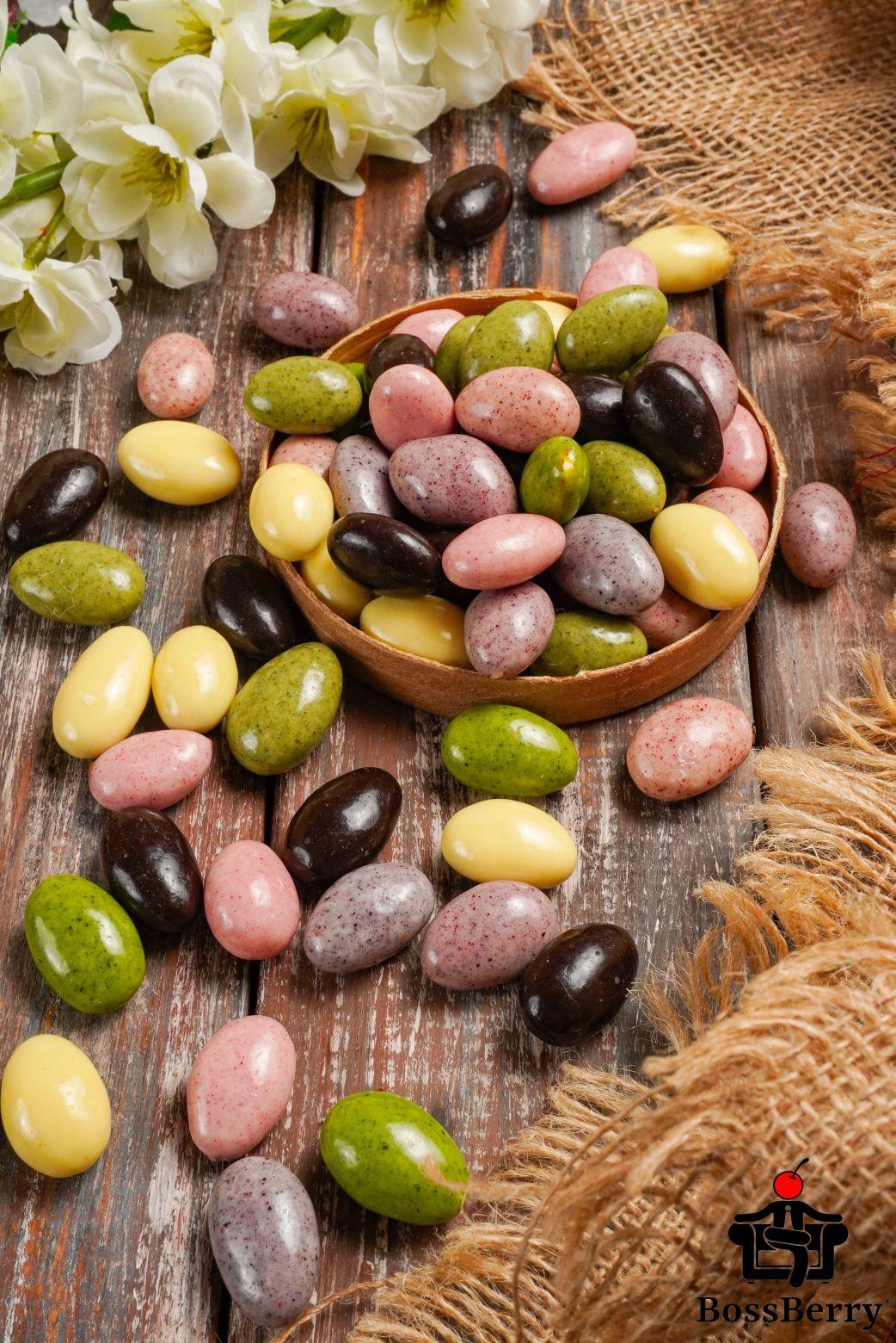 Миндаль в ягодной, фруктовой йогуртовой и шоколадной глазури, ассорти из орехов, орехи в шоколаде
