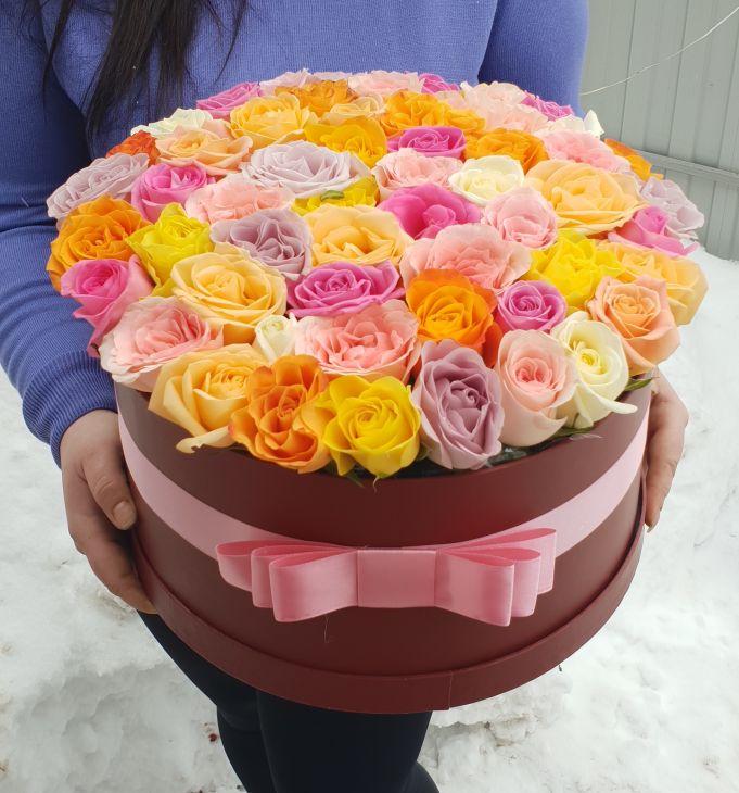 55 роз в коробочке