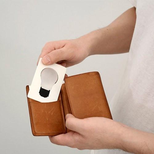 Раскладной фонарик в форме пластиковой карты
