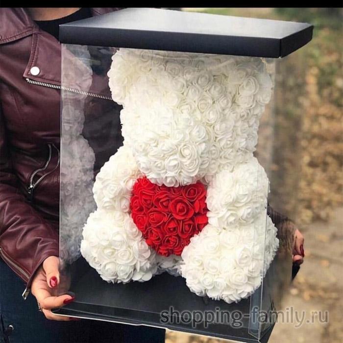 Белый Мишка из роз с сердцем в подарочной коробке, 40 см