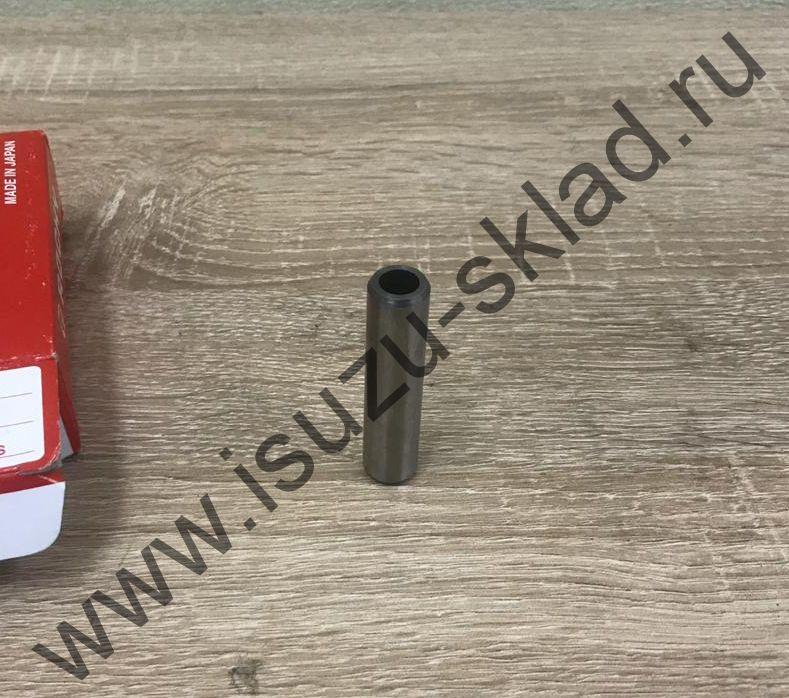 Направляющая клапана (4HG1) NQR71 / Богдан (Япония) цена за комплект